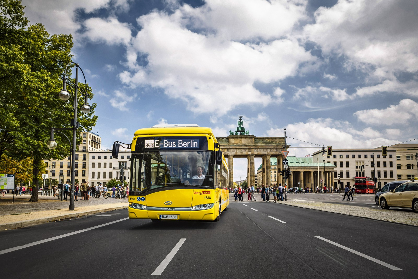 BT_PRIMOVE_e-bus_Berlin_BrandenburgerTor