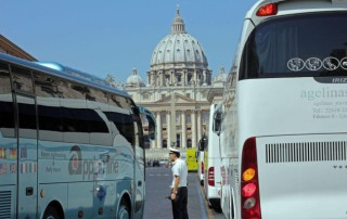 Bus e turismo sostenibile a Roma