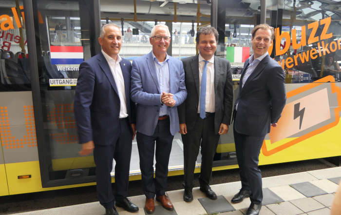 busitalia acquisisce qbuzz fs italiane player europeo del bus