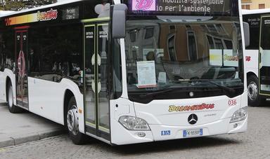 autobus mercedes dolomitibus