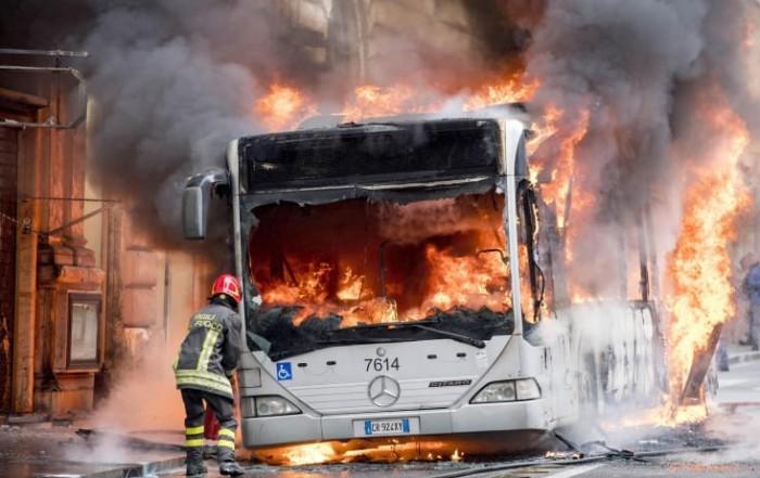 Bus incendiati - Autobus incendiati
