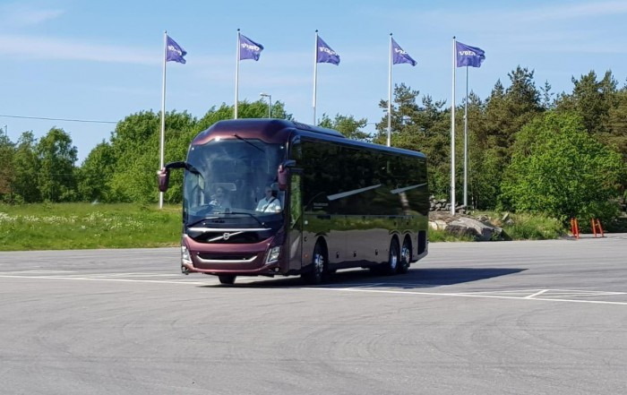 nuovo autobus volvo 9900