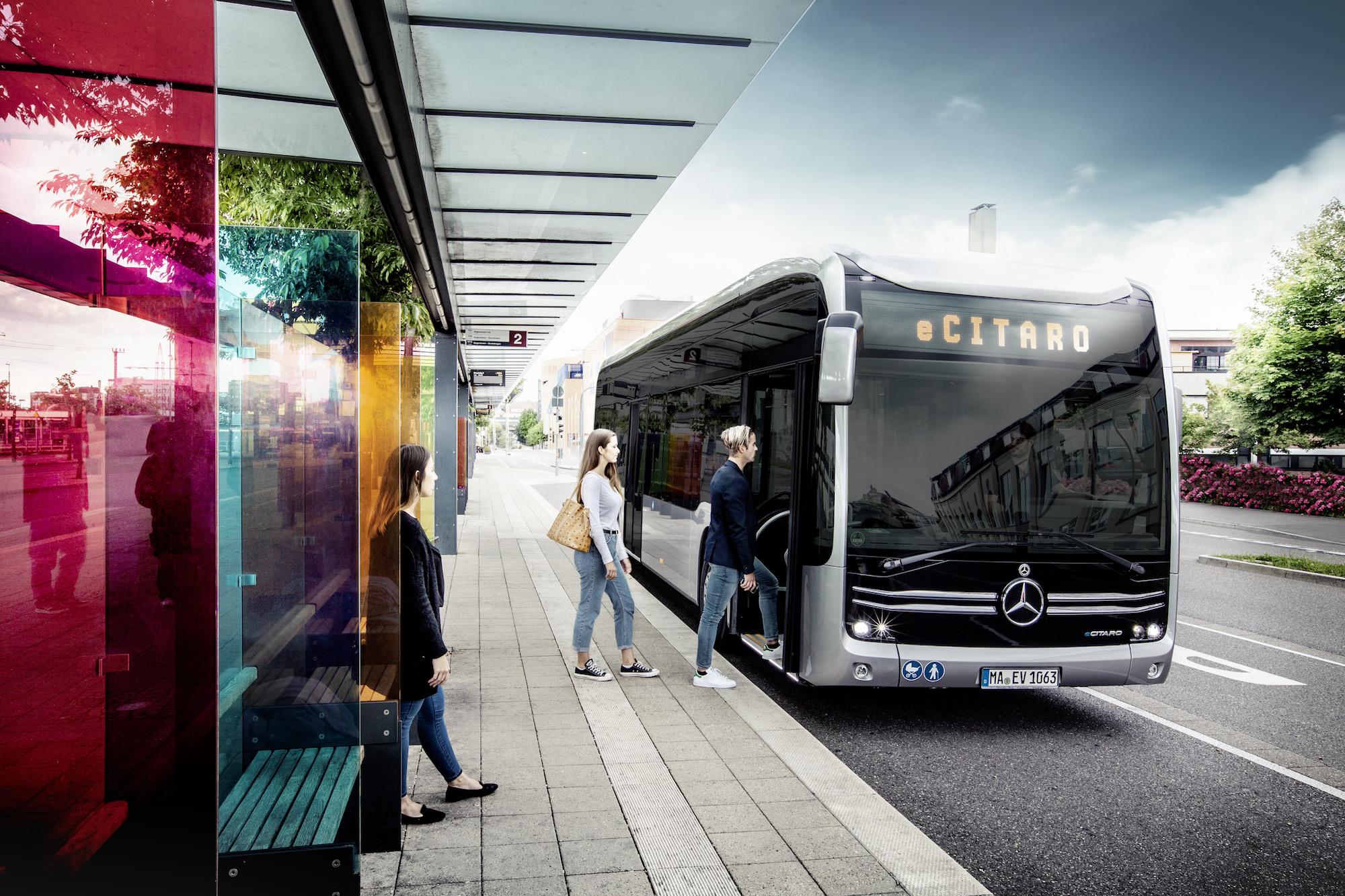 autobus elettrico mercedes eCitaro