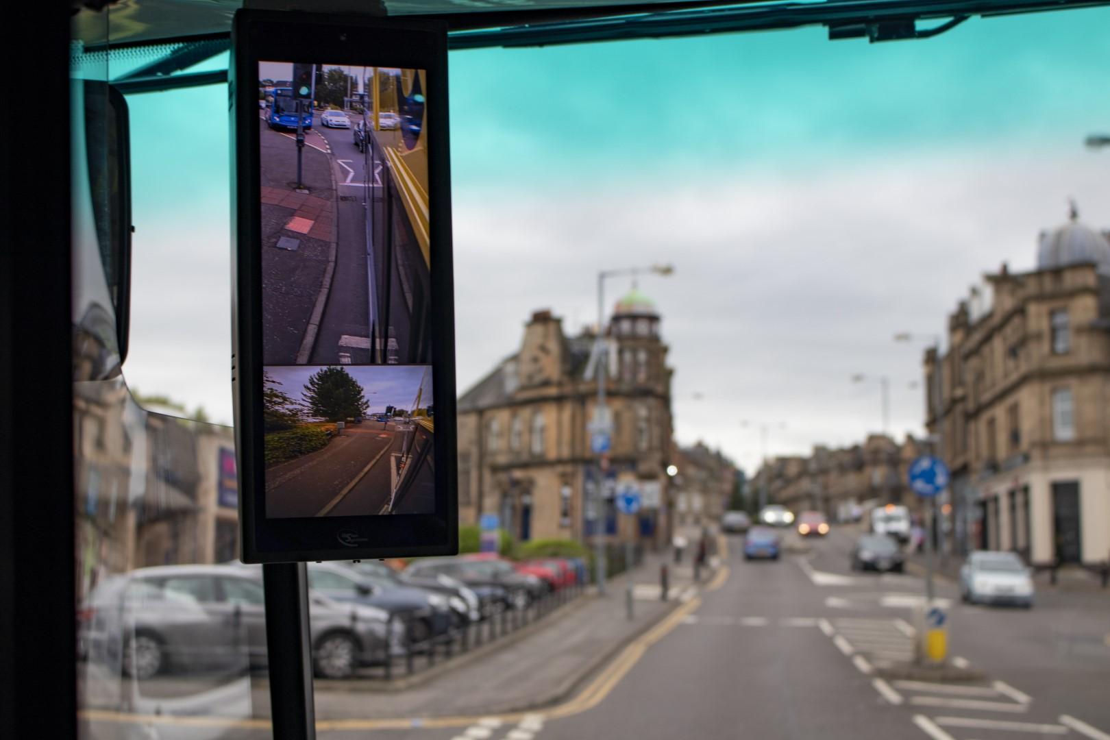 autobus mirrorless
