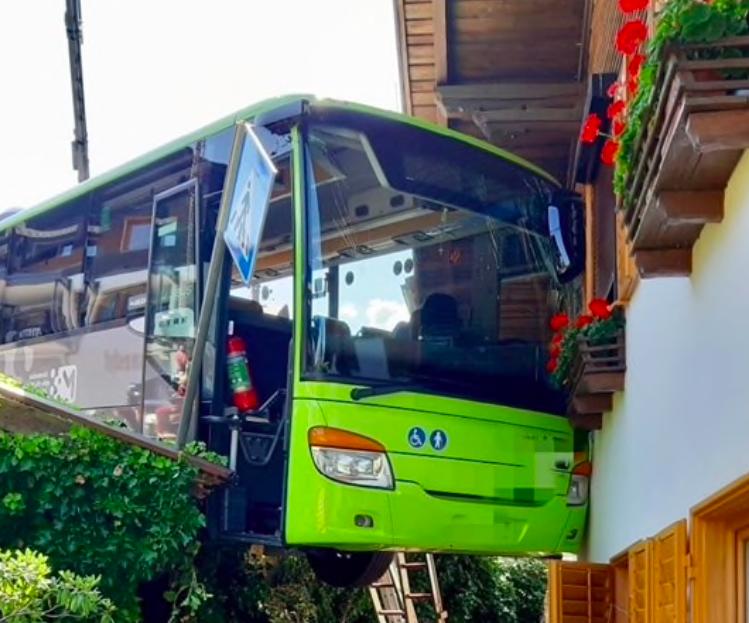 incidente autobus
