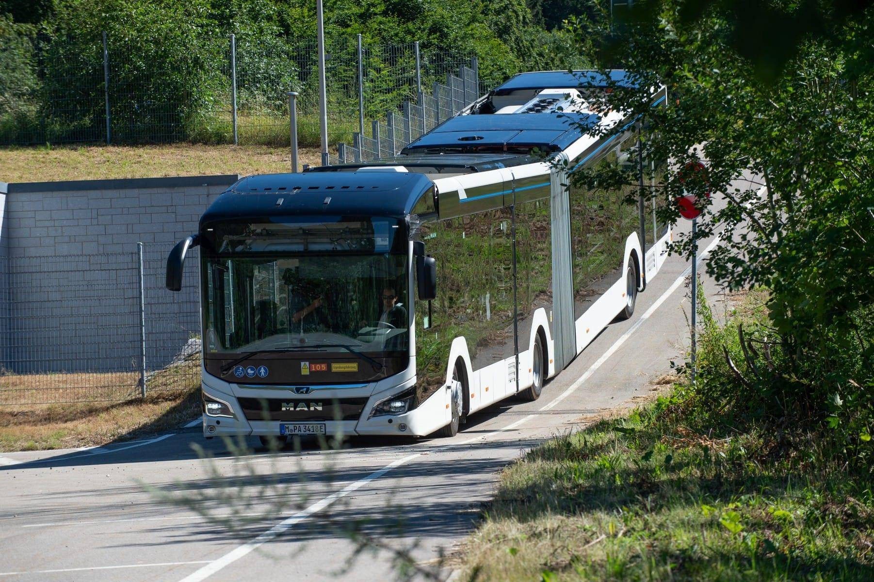 produzione di serie bus elettrico man